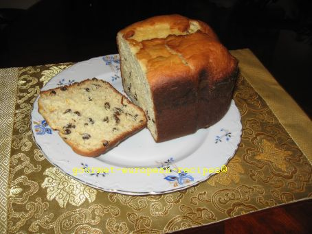 Basic Romanian Panettone with raisins